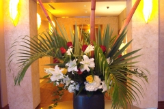 tropical-flower-arrangements-white