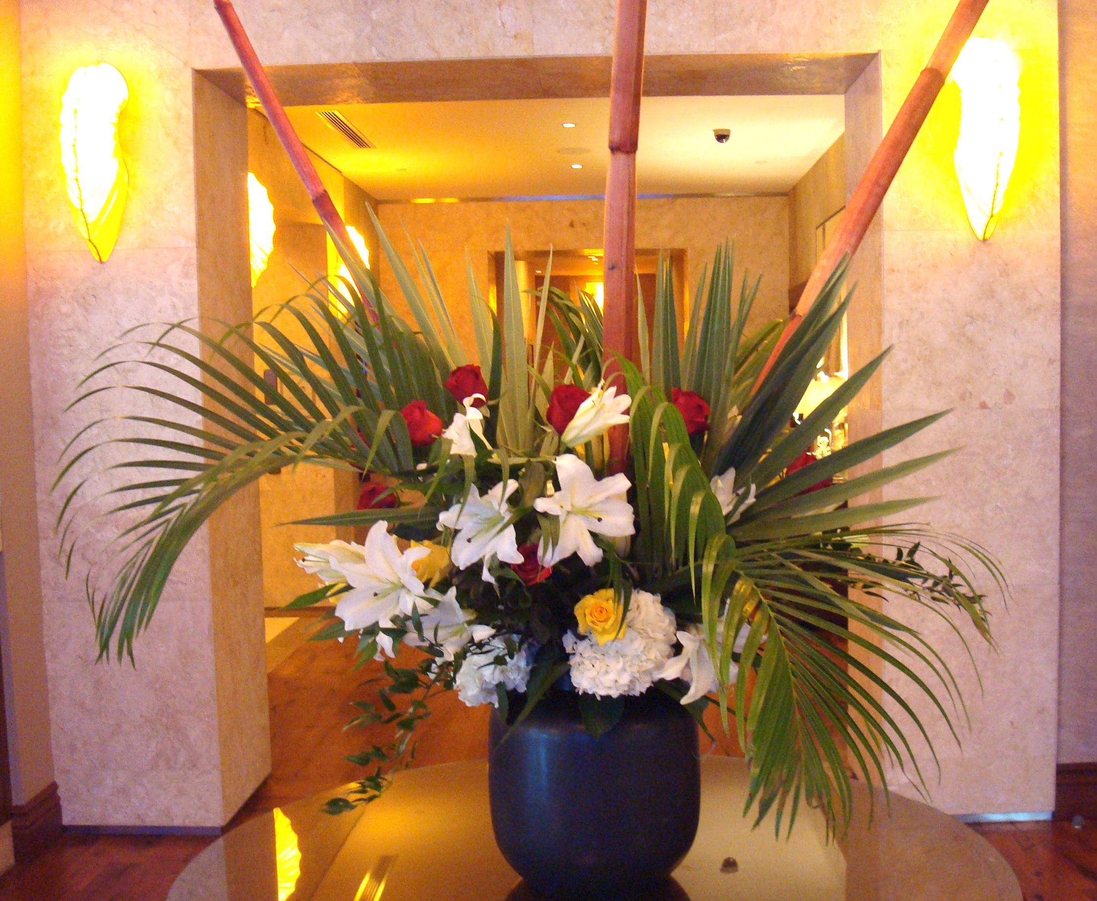 tropical-flower-arrangements-white